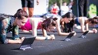 【柳州万达店】平板支撑赢平板!还有马拉松挑战赛等你来参加!